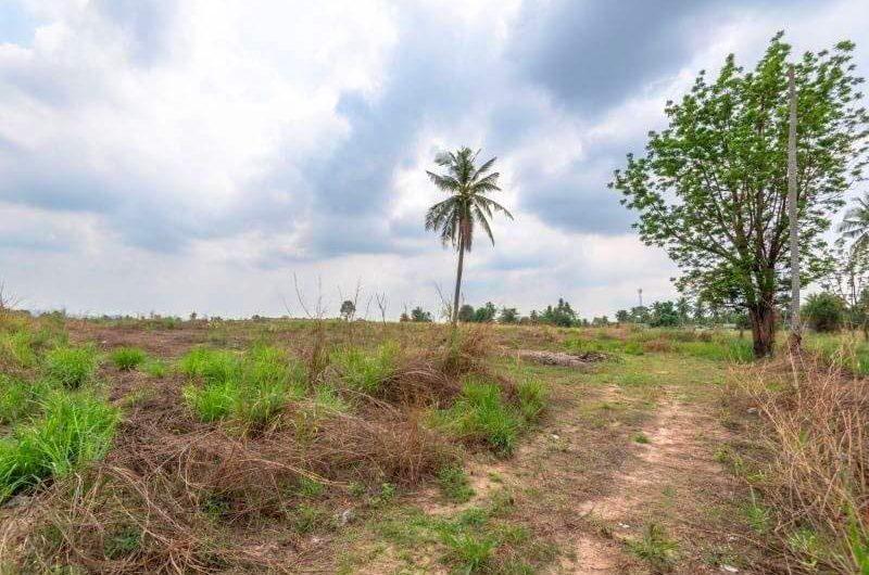 ขายที่ดิน แปลงงามย่านสวนเสือศรีราชาแปลงหัวมุม 37ไร่ 3 งาน 69 ตารางวา