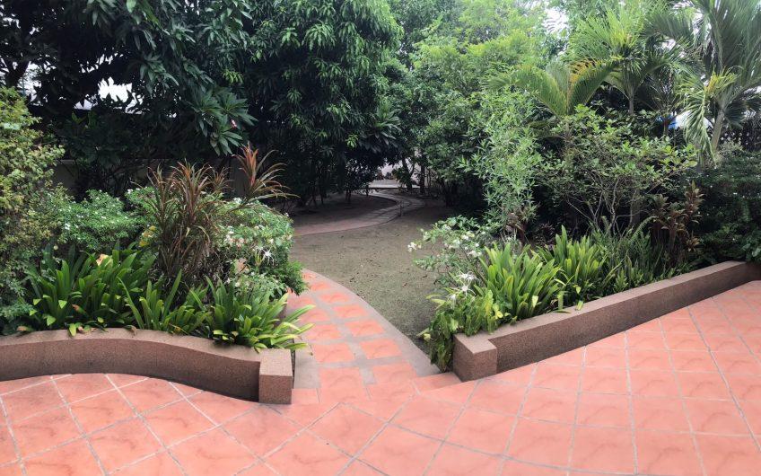 ขายบ้านเดี่ยว 2 ชั้น หมู่บ้านไอยรา ศรีราชา พร้อมอยู่ สวนใหญ่